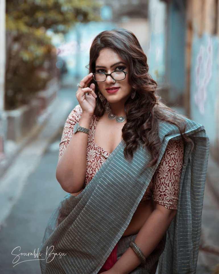Bengali Model Dwiti Roy Wiki, Age, Biography, Movies, and Glamorous Photos 113