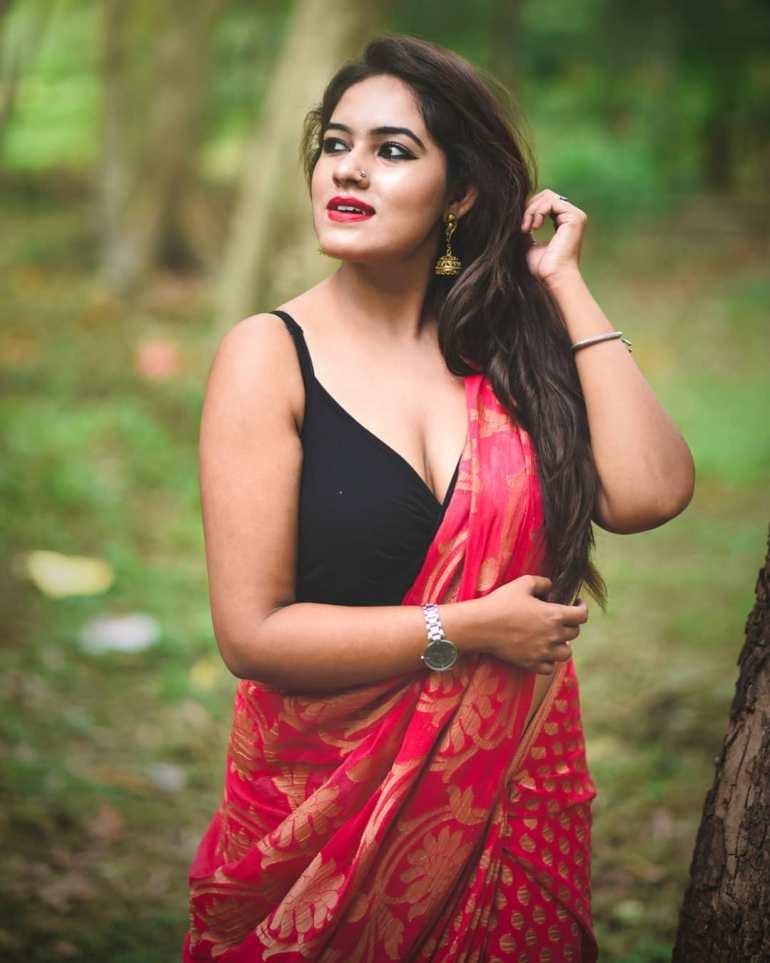 Bengali Model Dwiti Roy Wiki, Age, Biography, Movies, and Glamorous Photos 105