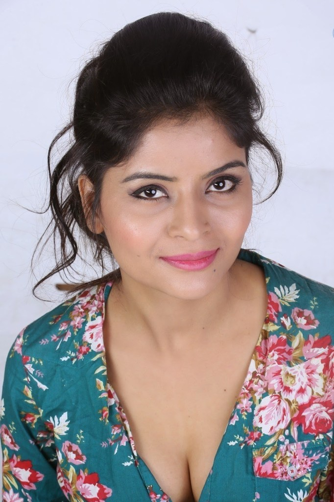 Gehana vasisth Wiki, Age, Biography, Movies, and Beautiful Photos 113