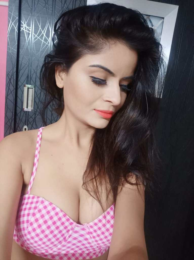 Gehana vasisth Wiki, Age, Biography, Movies, and Beautiful Photos 120