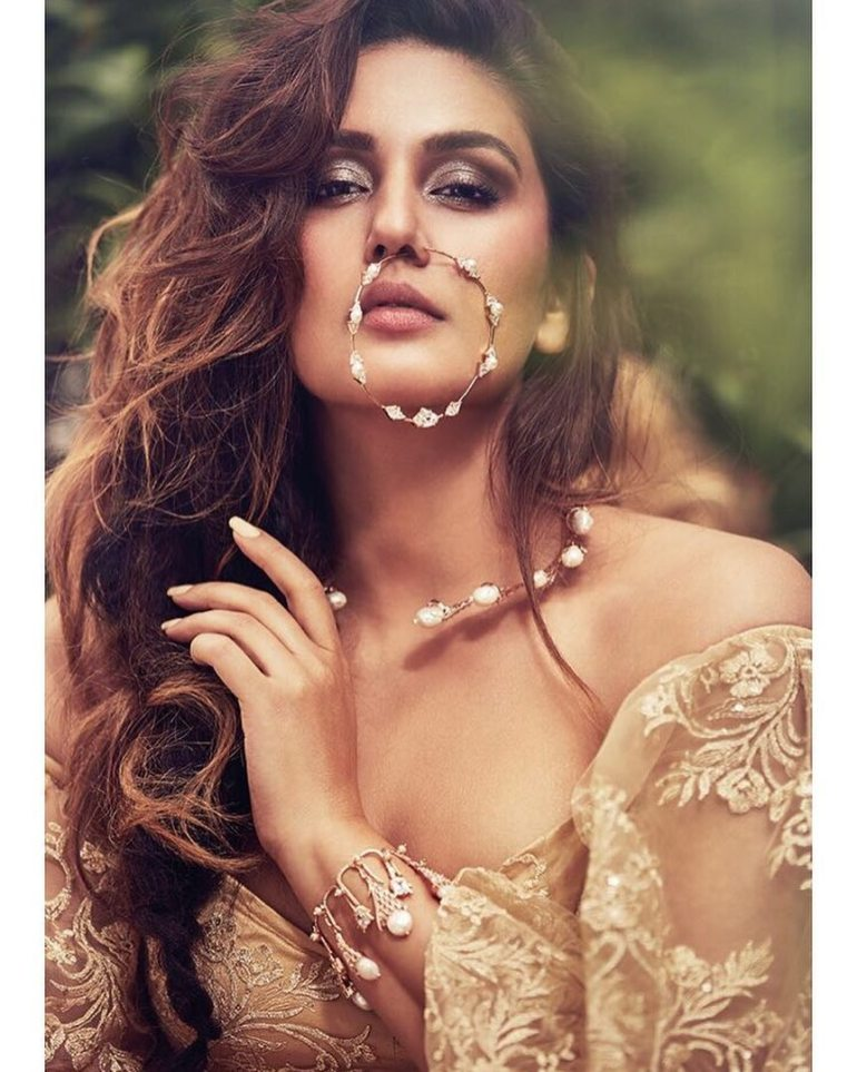 Huma Qureshi Wiki, Age, Biography, Movies, and Gorgeous Photos 102