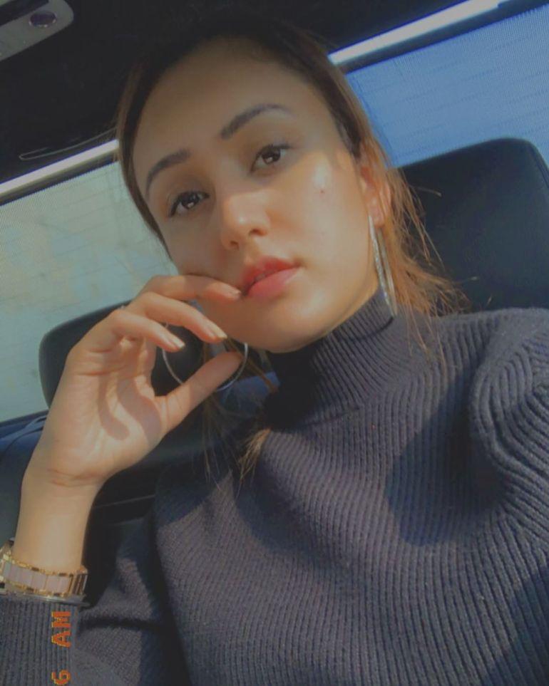 Manika Batra Wiki, Age, Biography, Family, Career, and Beautiful Photos 107