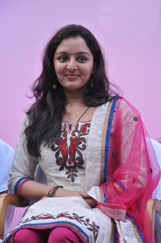 Manju Warrier Wiki, Age, Biography, Movies, and Beautiful Photos 128