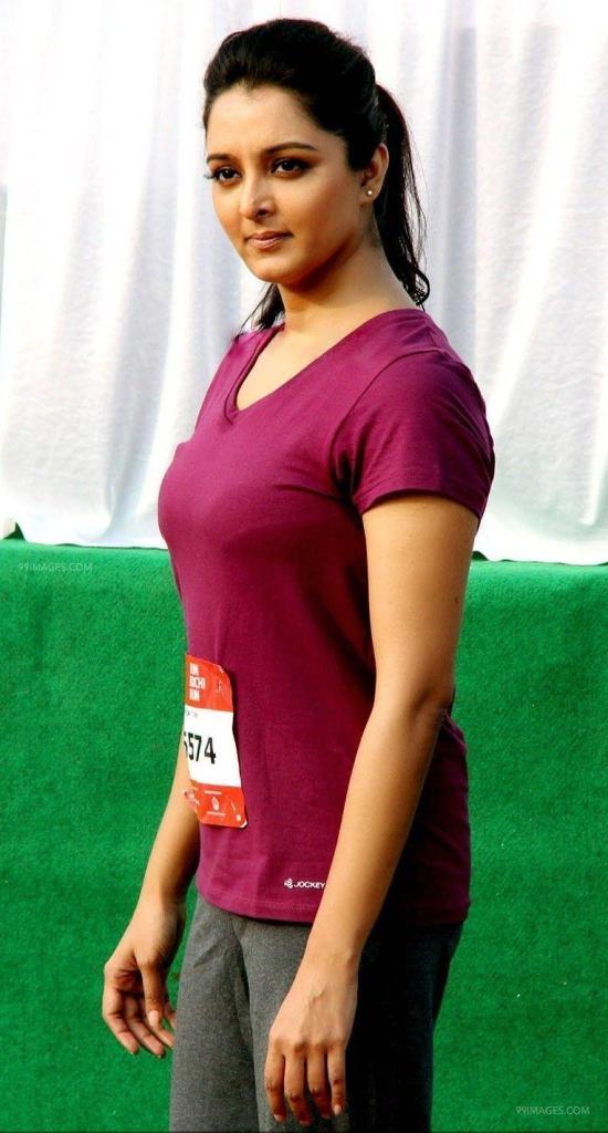 Manju Warrier Wiki, Age, Biography, Movies, and Beautiful Photos 131