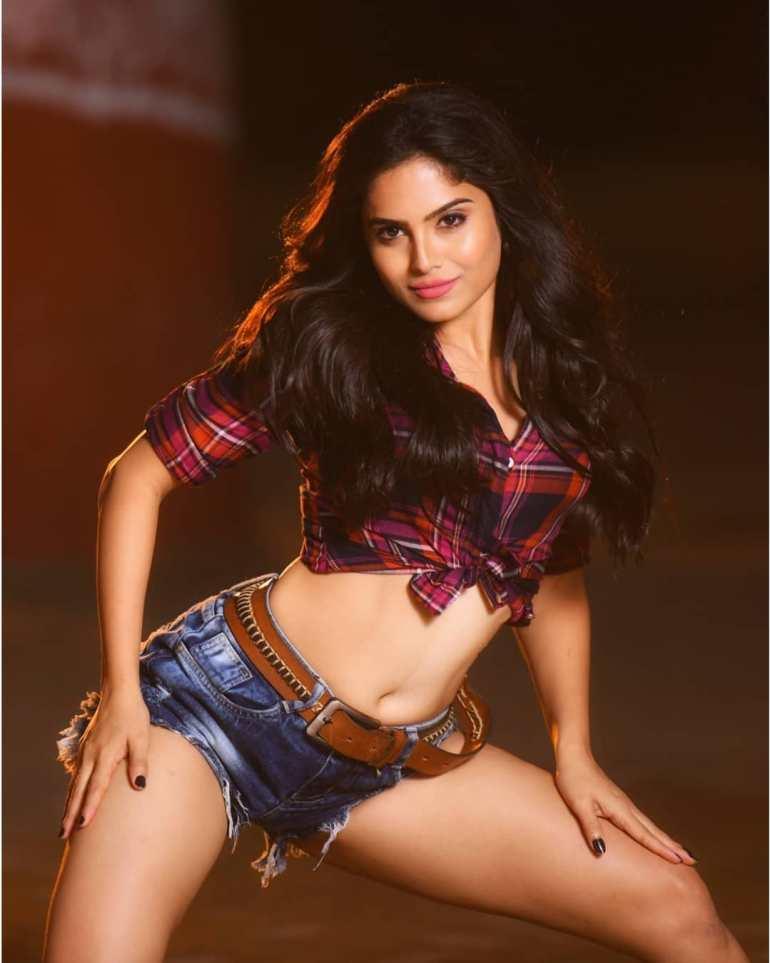 Naina Ganguly Wiki, Age, Biography, Movies, and Stunning Photos 110