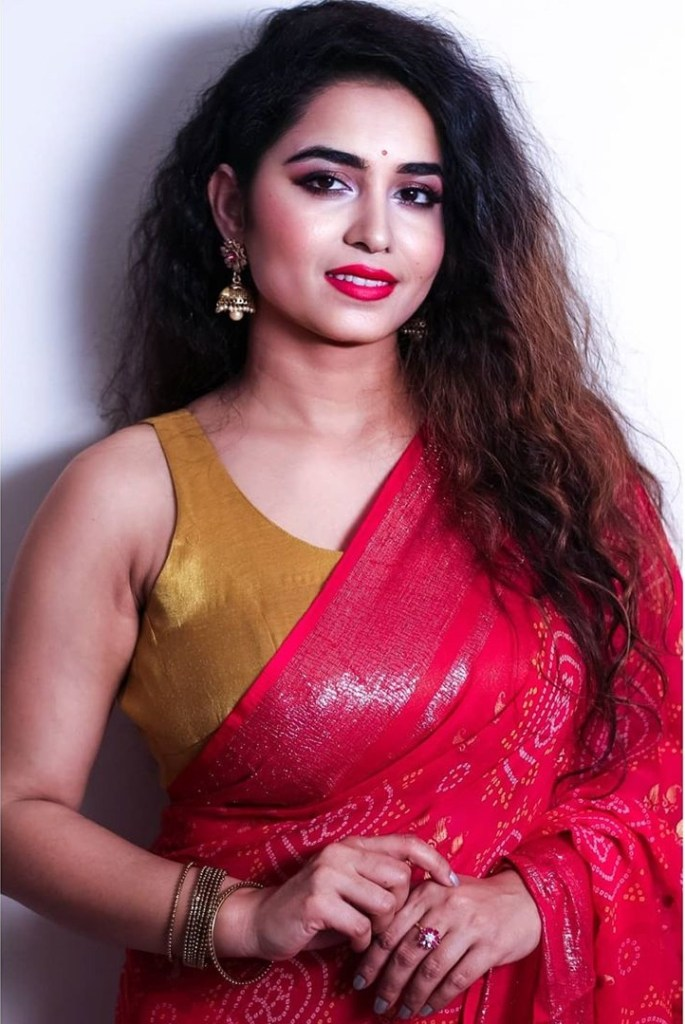 The Breathtaking Beauty of India Neeru Starlet Wiki, Age, Biography, Movies, and Gorgeous Photos 122