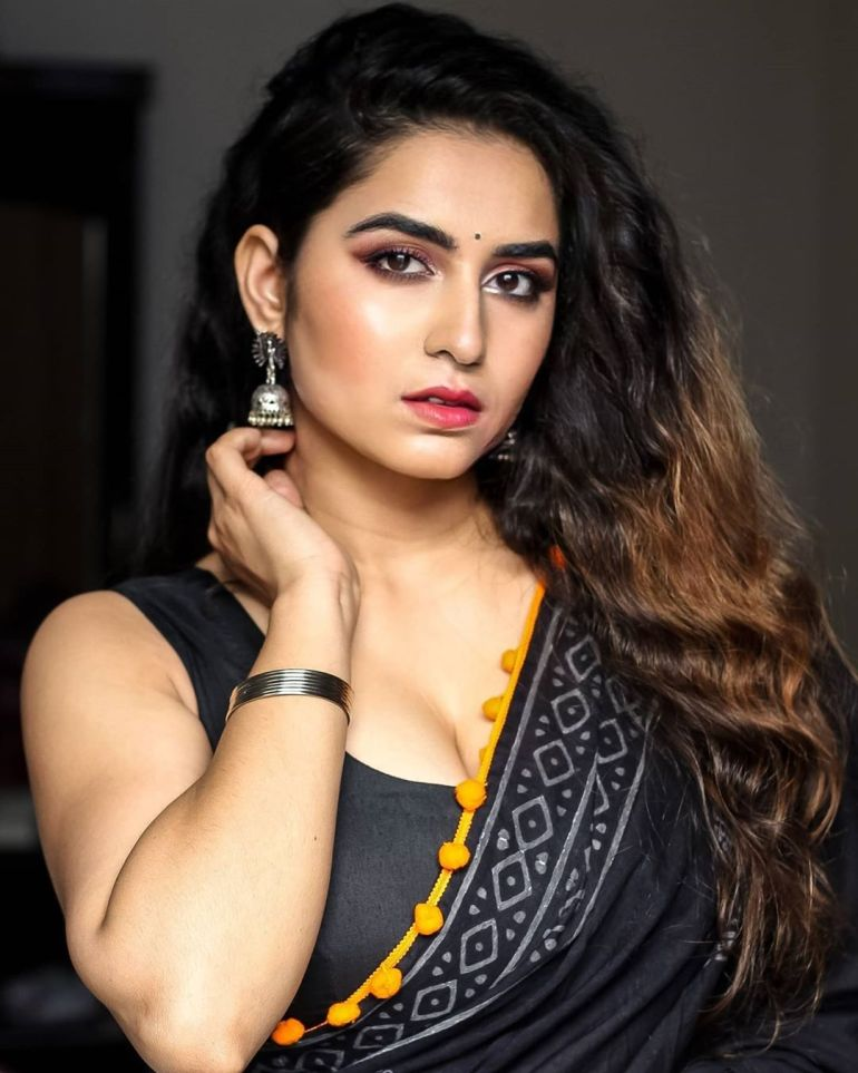 The Breathtaking Beauty of India Neeru Starlet Wiki, Age, Biography, Movies, and Gorgeous Photos 125