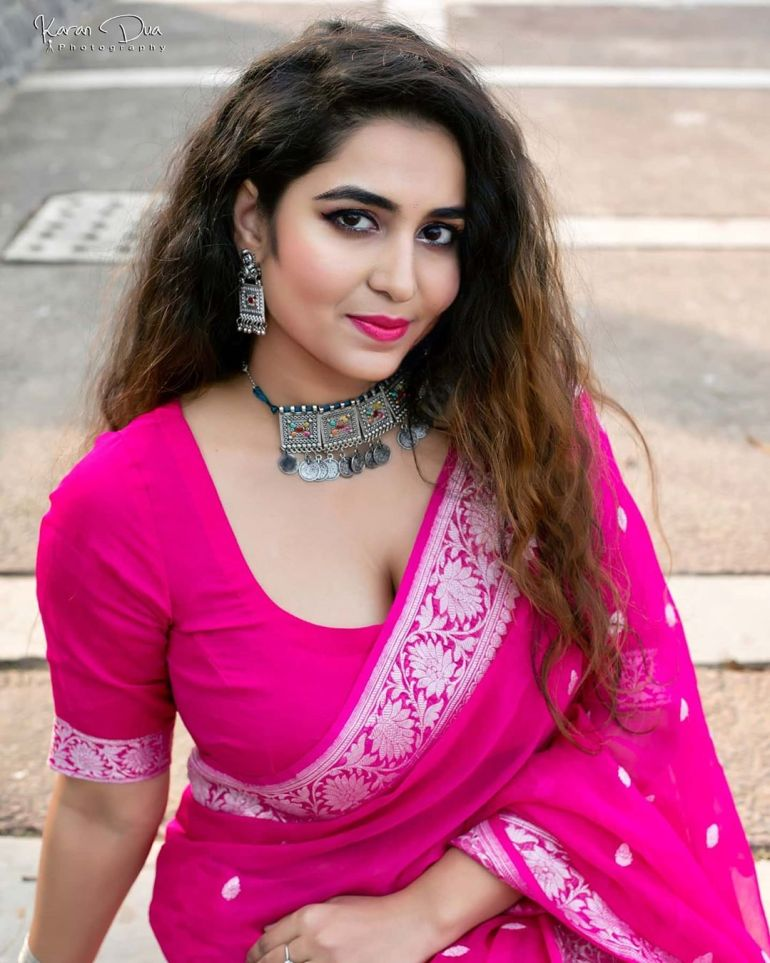 The Breathtaking Beauty of India Neeru Starlet Wiki, Age, Biography, Movies, and Gorgeous Photos 103