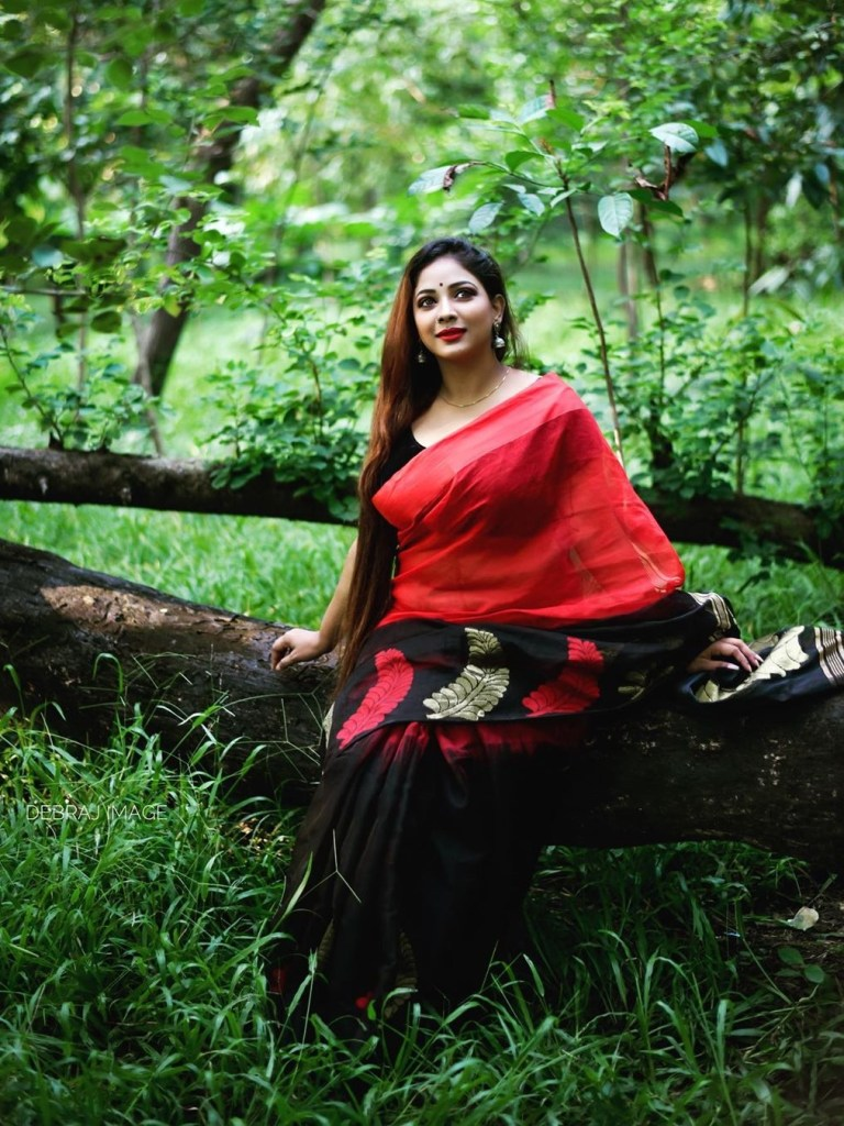 Bengali Model Pihu (Priyanka) Wiki, Age, Biography, Movies, and Beautiful Photos 117