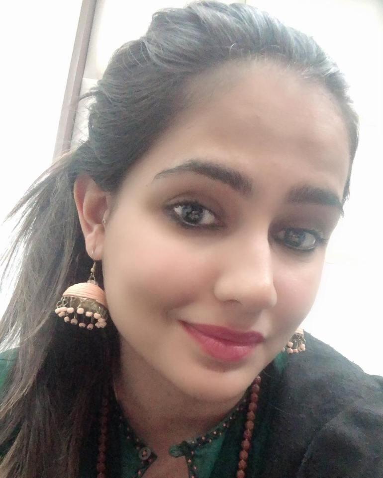 Pratima Singh Wiki, Age, Biography, Family, Career, and Beautiful Photos 106