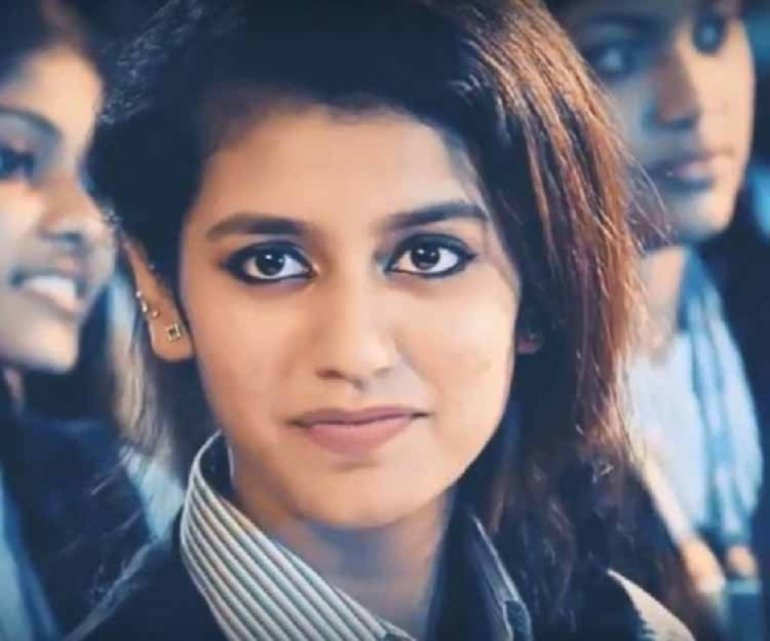 Which Indian actresses look Glamorous in school uniform? 130