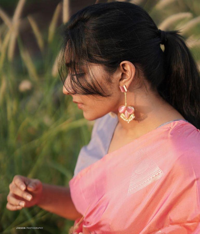 Rajisha Vijayan Wiki, Age, Biography, Movies, and Charming Photos 104