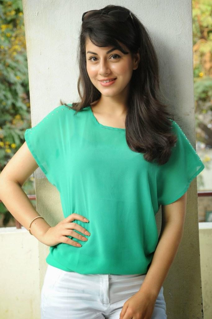 Rishika Jairath Wiki, Age, Biography, Movies, and Beautiful Photos 115