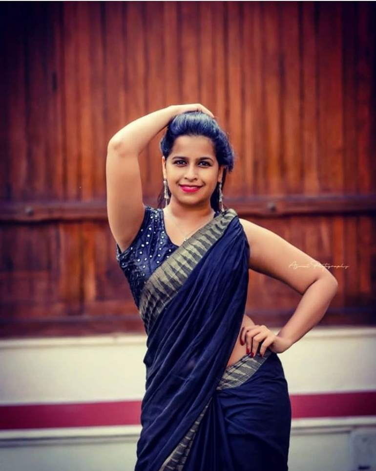 Sadhika Venugopal Wiki, Age, Biography, Movies, and Beautiful Photos 117