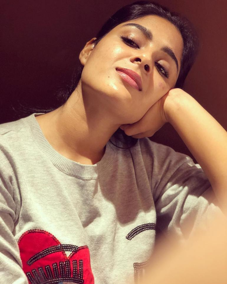 Samyuktha Menon Wiki, Age, Biography, Movies, and Gorgeous Photos 112