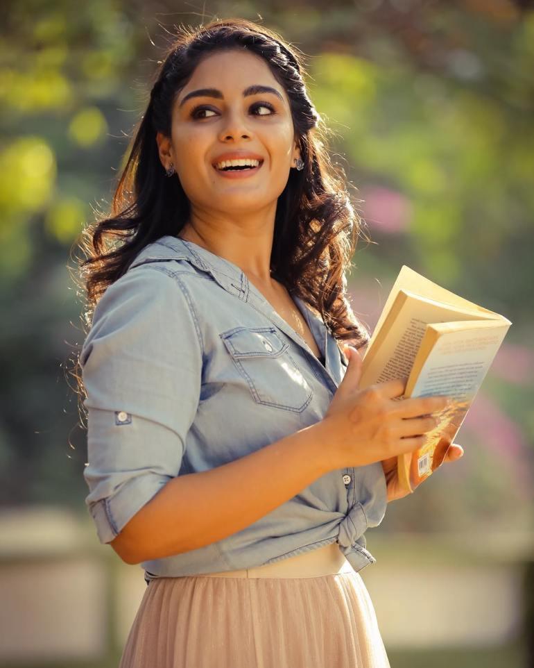 Samyuktha Menon Wiki, Age, Biography, Movies, and Gorgeous Photos 114