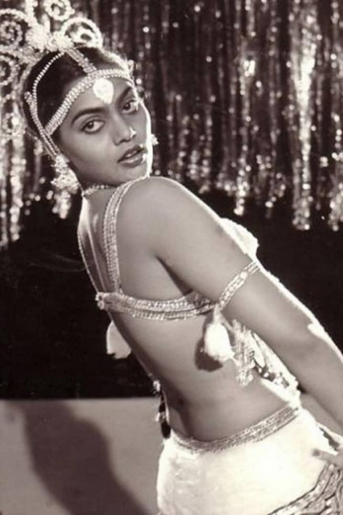 Silk Smitha Wiki, Age, Biography, Movies, and Stunning Photos 111