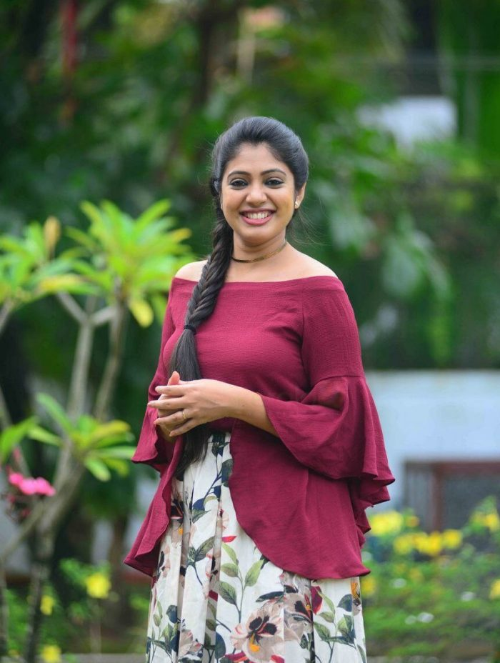 Veena Nandakumar Wiki, Age, Biography, Movies, and glamorous Photos 108