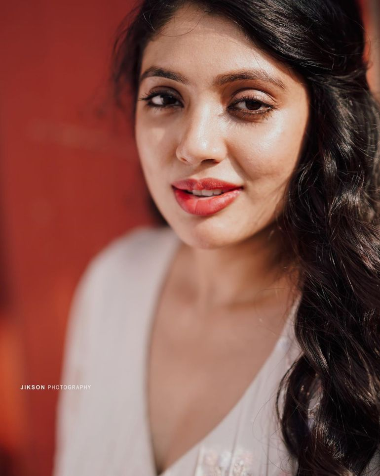 Veena Nandakumar Wiki, Age, Biography, Movies, and glamorous Photos 122