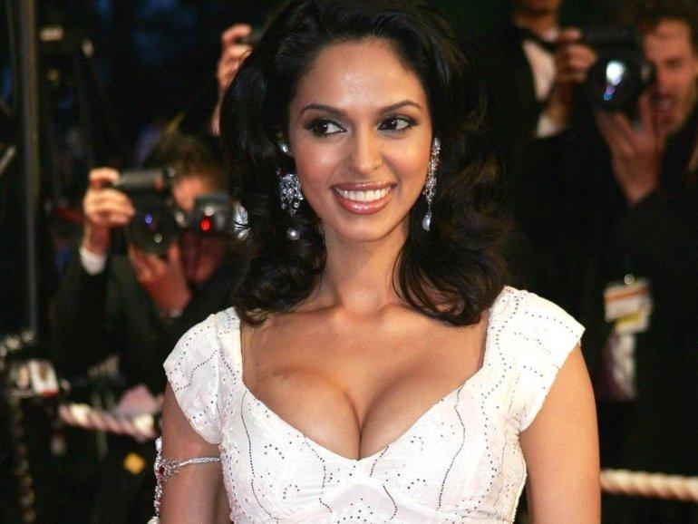 Mallika Sherawat Wiki, Age, Biography, Movies, and Gorgeous Photos 103