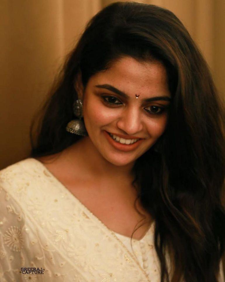 Nikhila Vimal Wiki, Age, Biography, Movies, and Beautiful Photos 122