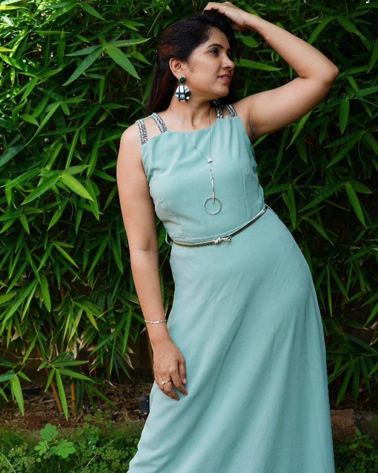 Anchor Indu Wiki, Age, Biography, Movies, and Gorgeous Photos 104