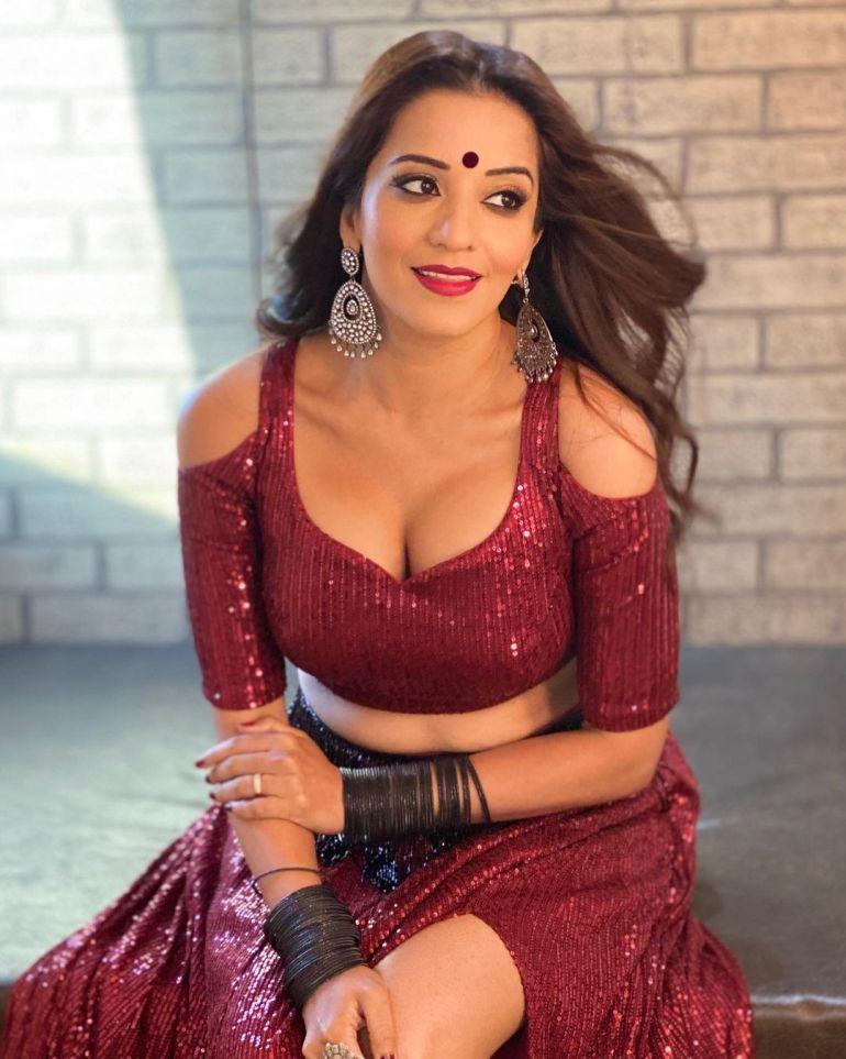 Monalisa (Antara Biswas) Wiki, Age, Biography, Movies, and Stunning Photos 111