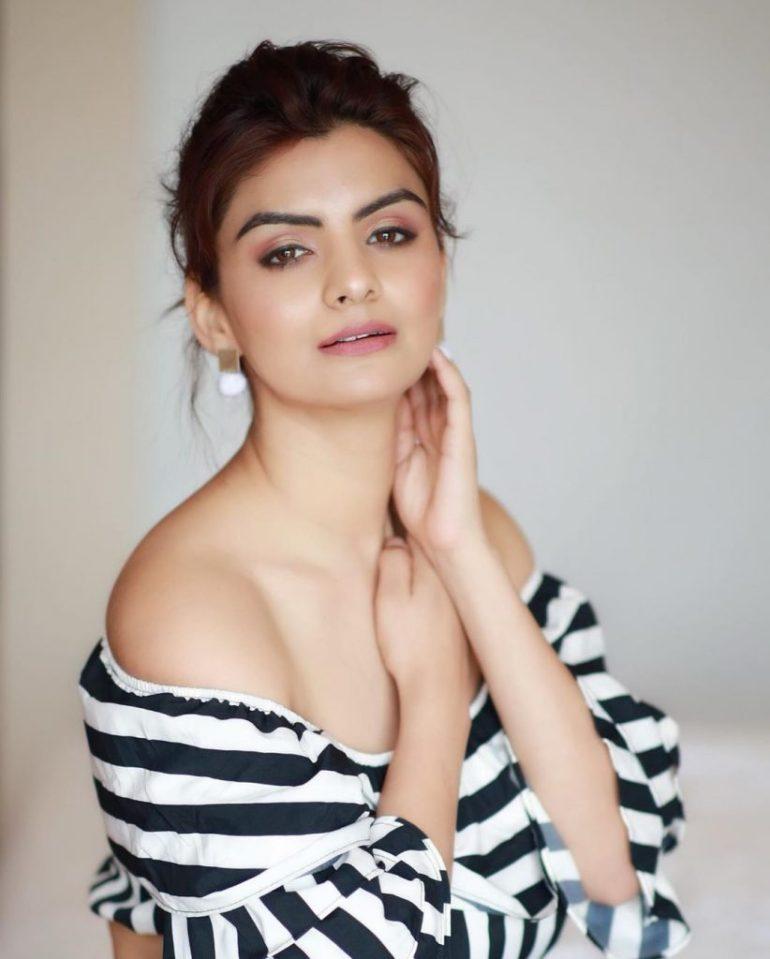 Anveshi Jain Wiki, Age, Biography, Movies, and Beautiful Photos 116