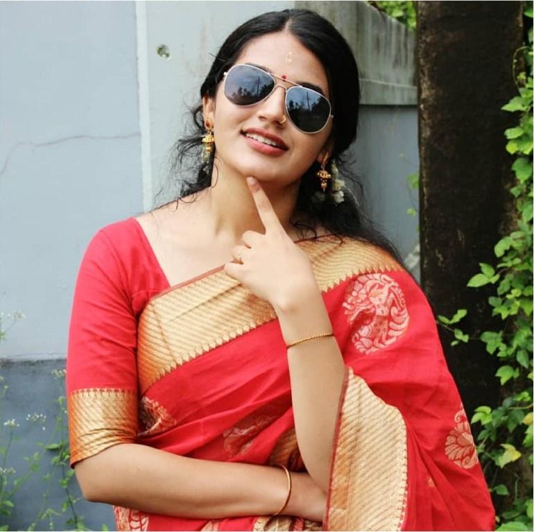 Aparna Janardanan Wiki, Age, Bio, Movies, Husband, Height, TV Shows, Photos 116