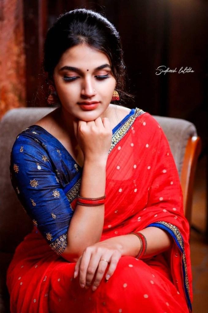 Aparna Janardanan Wiki, Age, Bio, Movies, Husband, Height, TV Shows, Photos 119