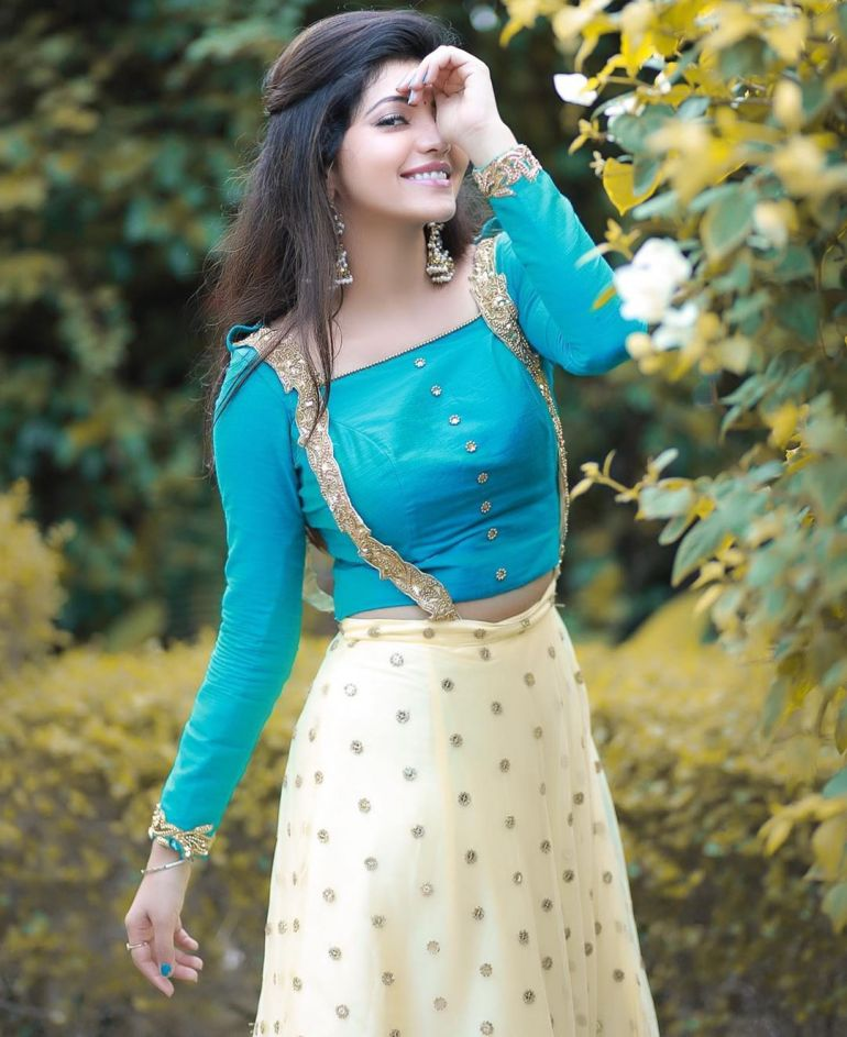 Athulya Ravi Wiki, Age, Biography, Movies, and Beautiful Photos 116