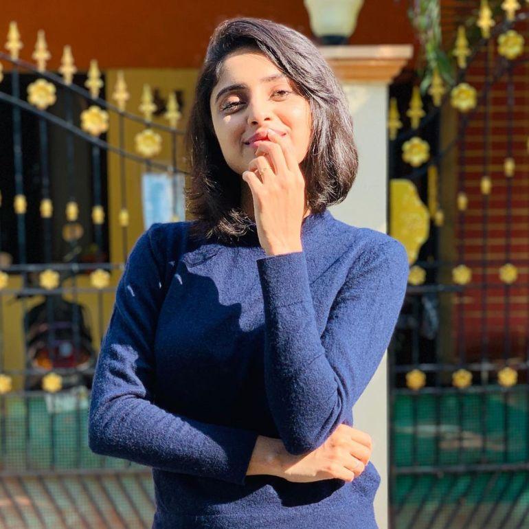 Ayesha ( Actress) Wiki, Age, Biography, Movies, and Beautiful Photos 130