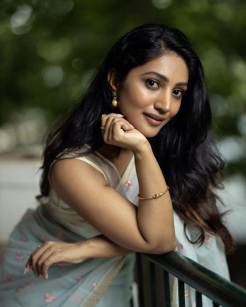 Bommu Lakshmi Wiki, Age, Biography, Movies, and Gorgeous Photos 122