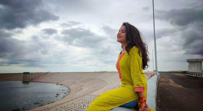 Deepthi Sunaina Wiki, Age, Biography, Movies, and Beautiful Photos 114