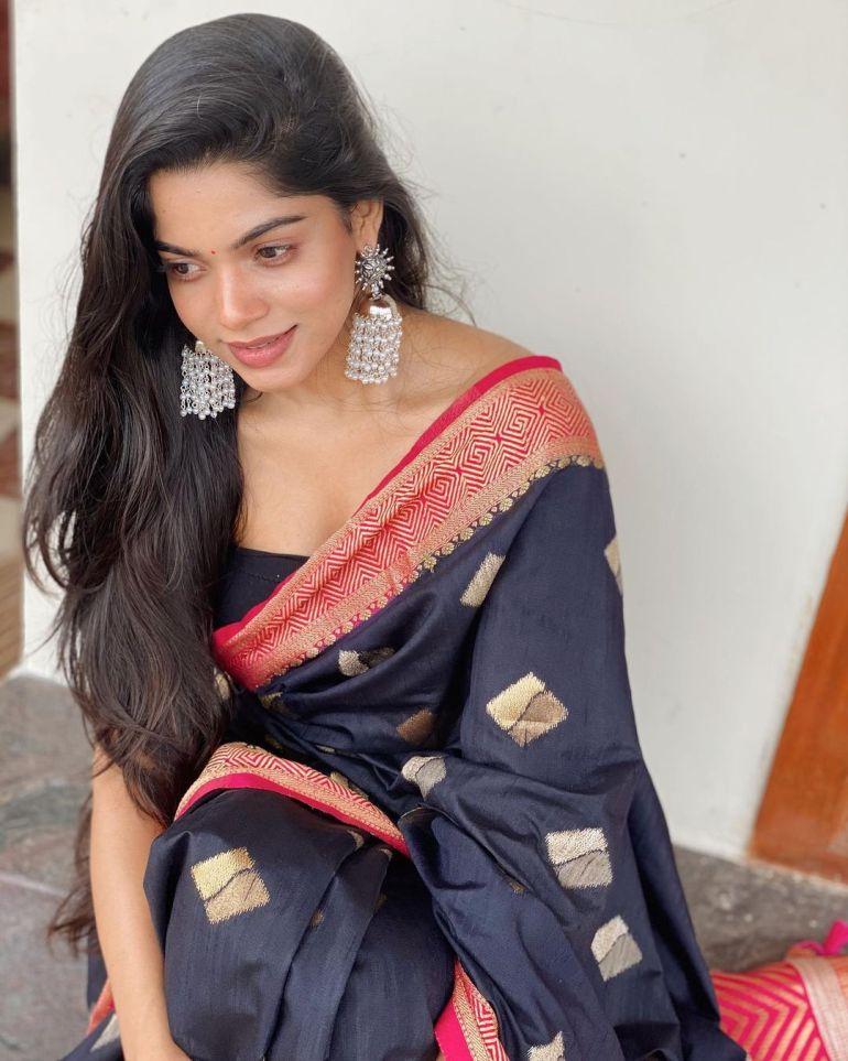 Divyabharathi (Tamil Actress) Wiki, Age, Biography, Movies, and Charming Photos 114