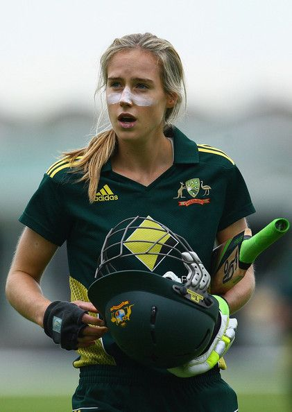Australian cricketer Ellyse Perry Wiki, Age, Biography, Height, and Beautiful Photos 127