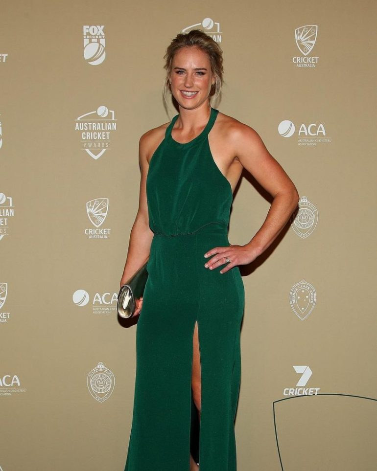 Australian cricketer Ellyse Perry Wiki, Age, Biography, Height, and Beautiful Photos 136
