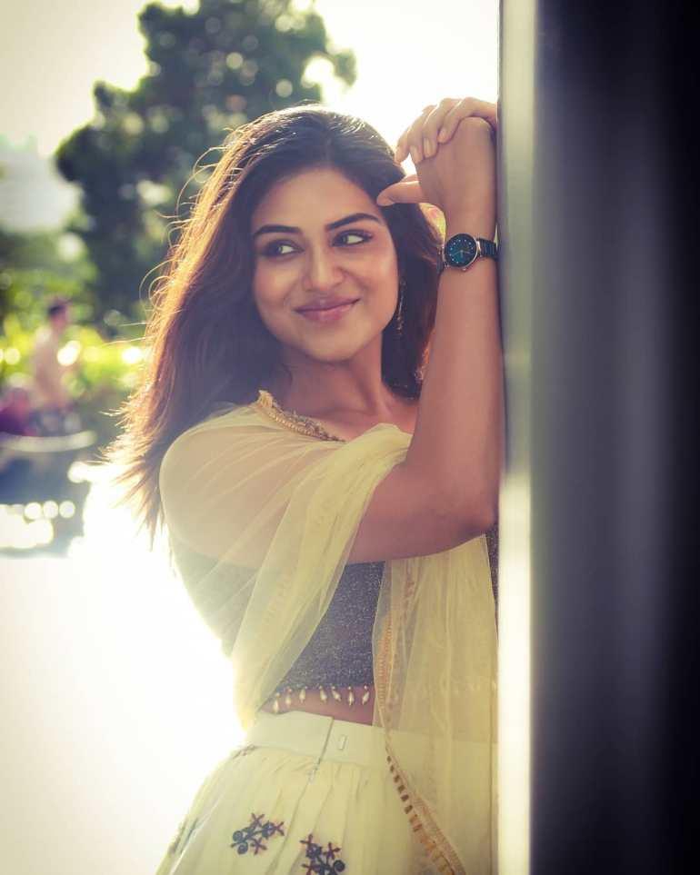 Indhuja Ravichandran Wiki, Age, Biography, Movies, and Beautiful Photos 109
