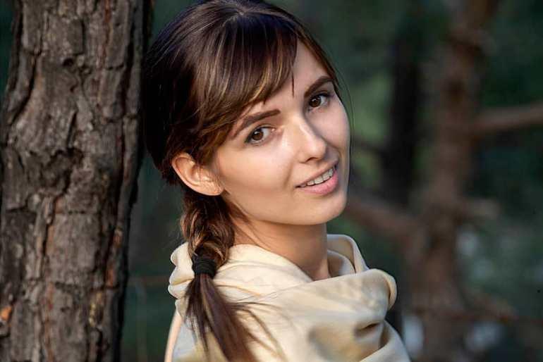 Joanna Robaczewska Wiki, Biography, Web Series, and Beautiful Photos 113