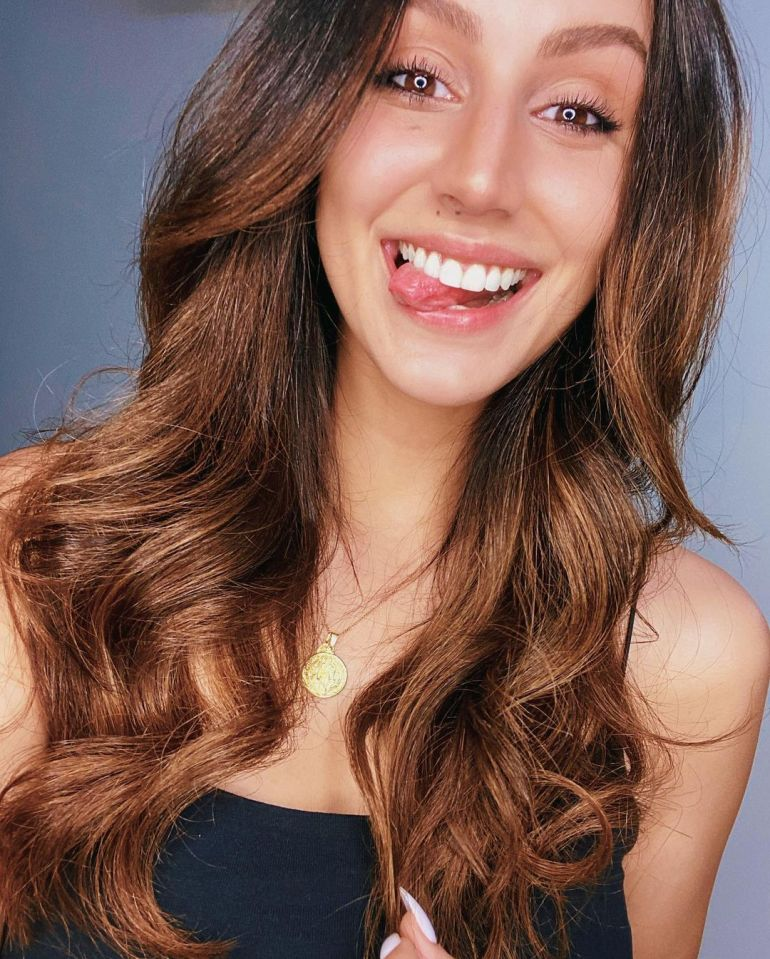 Larissa Bonesi Wiki, Age, Biography, Movies, and Beautiful Photos 114