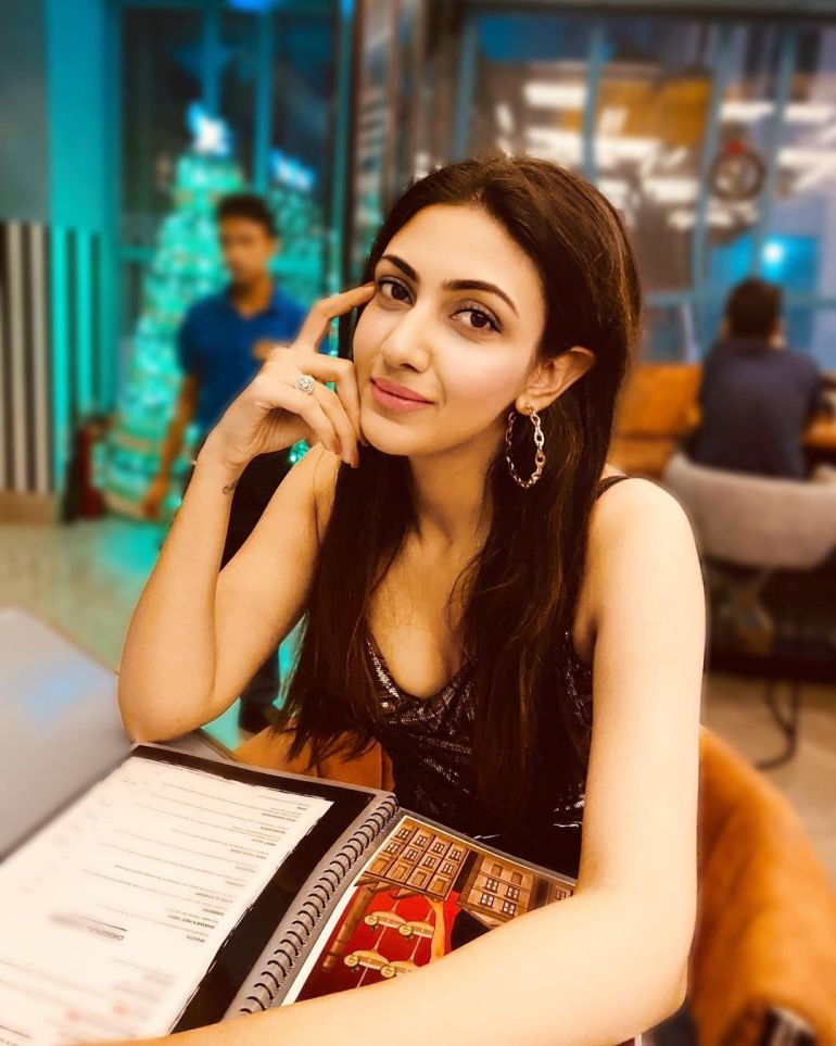 Neelam Upadhyay Wiki, Age, Biography, Movies, and Beautiful Photos 113
