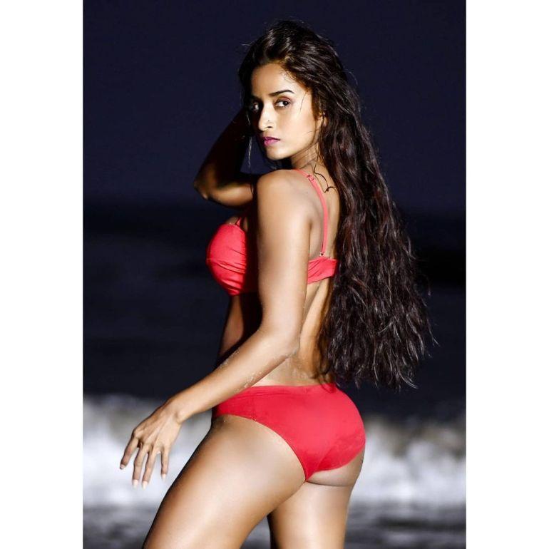 Pooja Bhalekar Wiki, Age, Biography, Movies, and Glamorous Photos 112