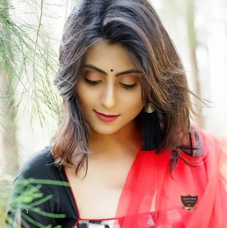 Bengali Model Priya Chakraborty Wiki, Age, Biography, Movies, and Beautiful Photos 127