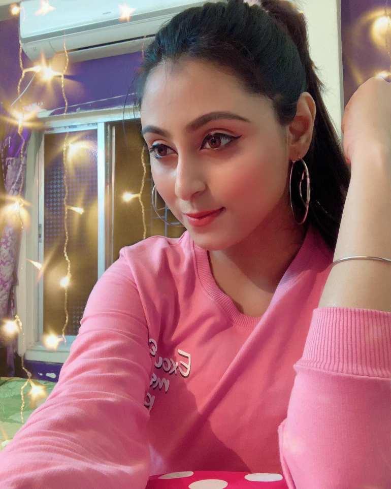 Bengali Model Priya Chakraborty Wiki, Age, Biography, Movies, and Beautiful Photos 131
