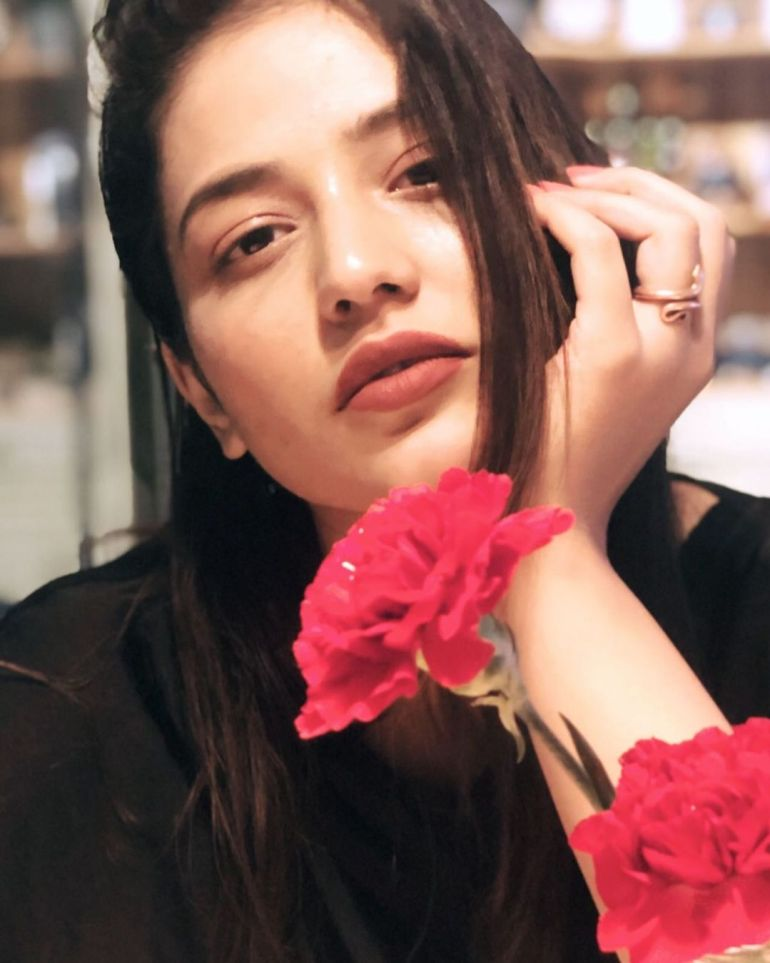 Priyanka Jawalkar Wiki, Age, Biography, Movies, and Stunning Photos 114