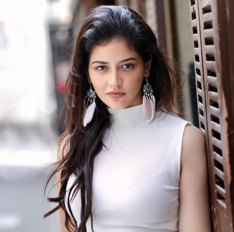 Priyanka Jawalkar Wiki, Age, Biography, Movies, and Stunning Photos 104