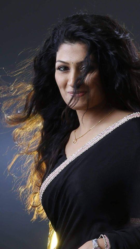 Radhika Kumaraswamy Wiki, Age, Biography, Movies, and Beautiful Photos 111