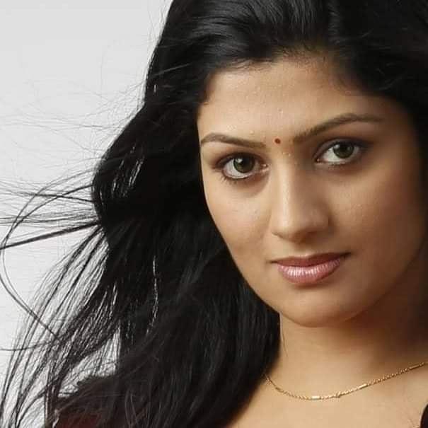 Radhika Kumaraswamy Wiki, Age, Biography, Movies, and Beautiful Photos 116