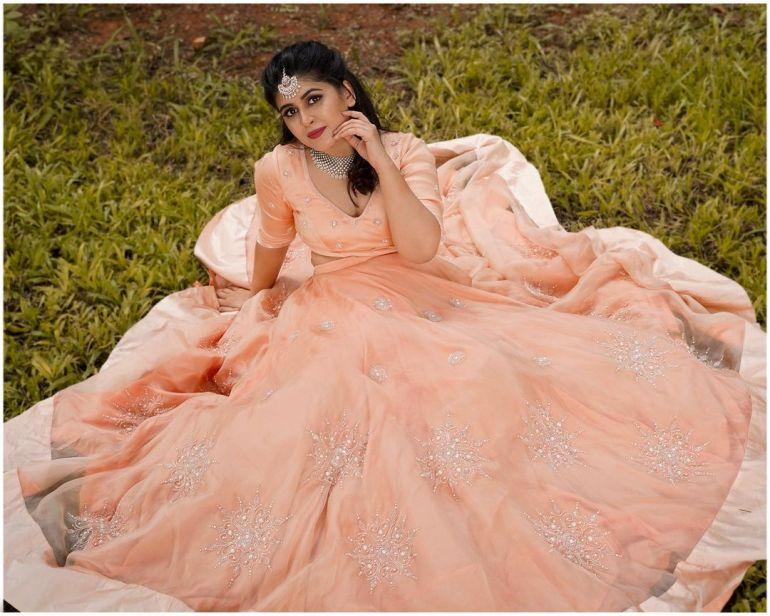 Raksha Somashekhar Wiki, Age, Biography, Movies, and Charming Photos 113