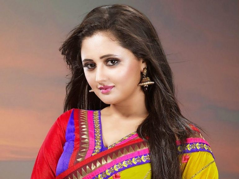 Rashmi Desai Wiki, Age, Biography, Movies, and Beautiful Photos 131